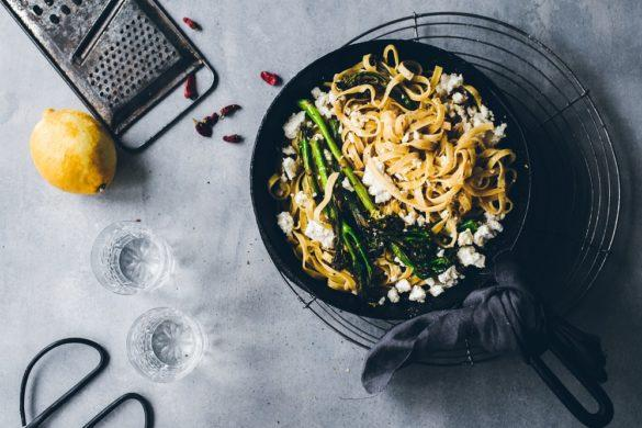 Chili-broccolinipasta